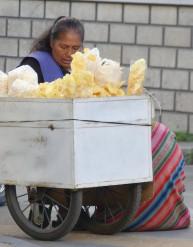 femme aux chips